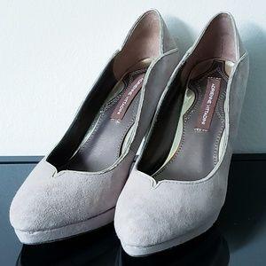 New, never worn Adrienne Vitadini suede heels